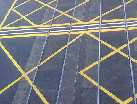Level crossings by Strail