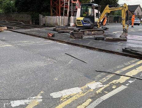 Oakham level crossing installation process